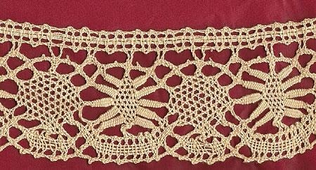 Handmade Cluny English bobbin lace