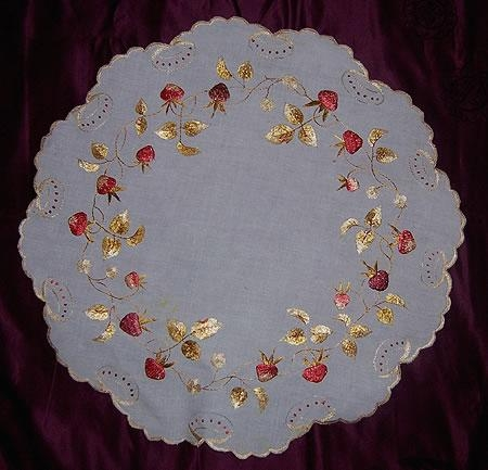 Silk Society small tablecloth 18 round
