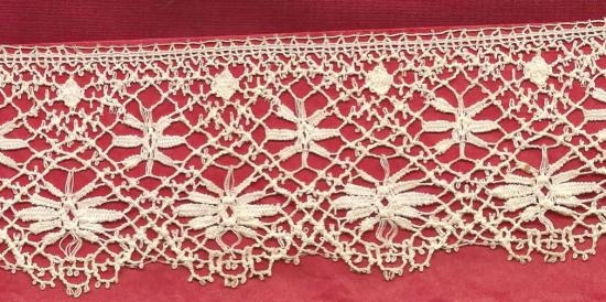Hand made English Star Bedfordshire lace. 3 yards 10 inches by2 inches wide