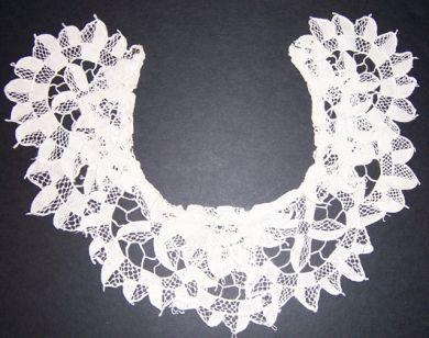 HANDMADE POINT LACE COLLAR