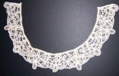 HANDMADE BRUSSELS CANDYCANE LACE