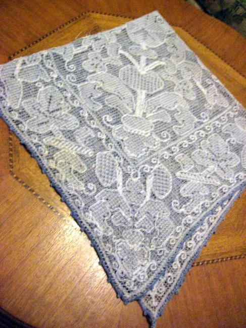 BURANO SQUARE LACE TABLECLOTH BLUE