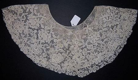 Machine made Schiffli Technique lace collar