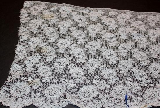 Handmade Valencienne Lace 105
