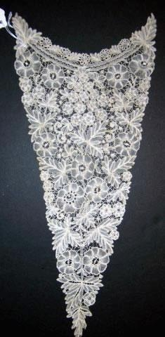 Handmade Belgian Brussels lace dress front 7 x 15