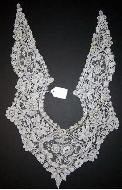 Handmade Belgian Brussels lace collar