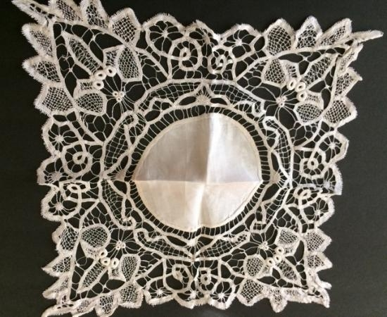 Handmade Battenberg/Italian lace Doilie 20 point to point  #68