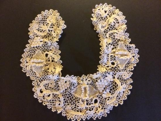 Handmade amazing Irish Lace Collar #801